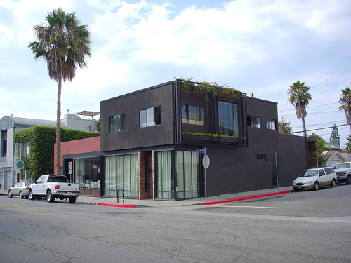 Interior design looks from venice beach kenihan development for Flipping houses in los angeles